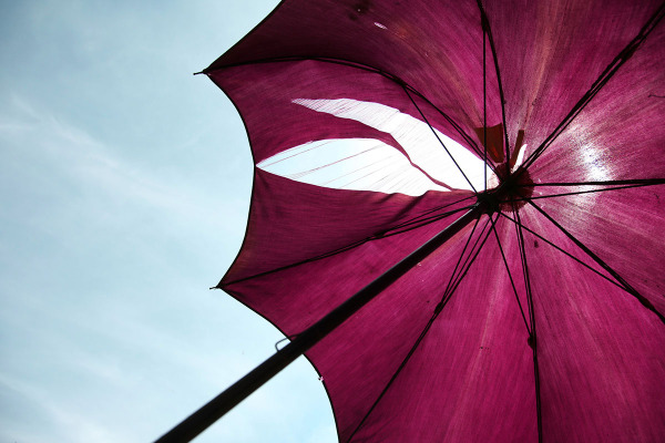 Magenta Sonnenschirm